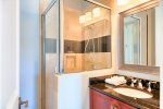 1st Floor King Suites Private Bathroom