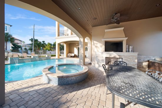Luxury 9 Bedroom Sleeps 36 Private Pool 1 Min Walk To Private