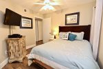 Guest bedroom 1- Queen- New flooring