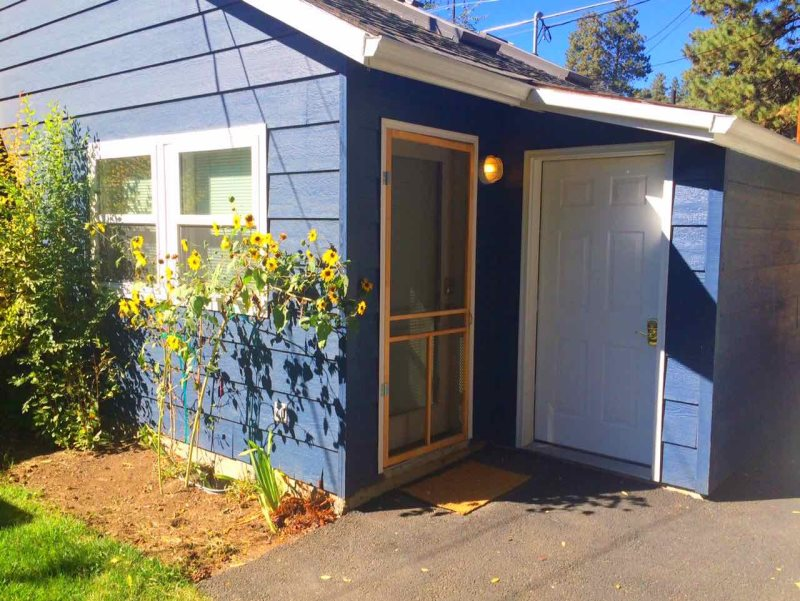 Astounding Blue Cottage In Bend Oregon Interior Design Ideas Gentotryabchikinfo