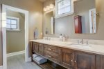 DTA Bend Vacation Rental Luxury Lodging Bunk Beds www.bluebirddayvacationrentals.com