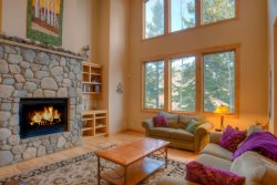 Gorgeous Mountain Townhome Sleeps 16+ Comfortably! Minutes from Keystone
