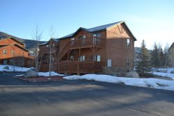 Luxurious 2 Bed town home Located in Summit Cove, Dillon CO. Minutes from the slopes!
