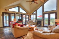 Lake View Lodge - Seasonal Winter Rentals Only - Furnished 4 BDR Cliffhanger above Silverthorne