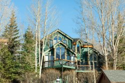 3 Bedroom Breckenridge Home Close to Gondola