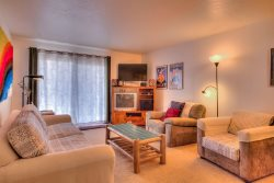 2 Bedroom Dillon Valley Retreat, Sleeps 4-6!