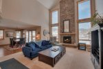 Gorgeous 6 bedroom home minutes from Keystone- Long Term Only 30 days or more!