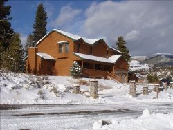 4 Bedroom Home minutes from Keystone Resort! Pet Friendly!