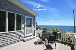 Rare Marshall Point Estate - walk to the lighthouse, village and beach
