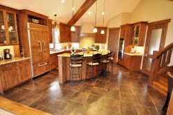 Granit counter tops and plenty of room to whip up a delicious meal.