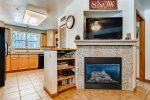 Gas fireplace, large smart flat screen TV, complimentary wifi, board games