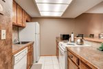 Fully equipped kitchen for your needs.