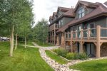 Located next to the Jack Nicklaus designed 27-hole Breckenridge Golf Club.