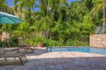 Tropical landscaping at Higg`s Beach Hideaway