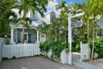 KEY WEST HIDEAWAY-Originally built in 1874, totally renovated, Mitsubishi AC/Heat, ceiling fans throughout