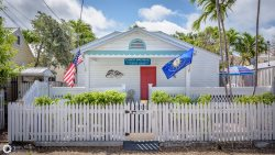 Orange Blossom Suite - Conch Republic Vacation Cottage Suites in Key West, FL