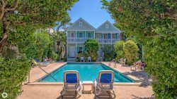Leeward Isle Key West - 2 bedroom / 2 bath Townhome Close to Duval