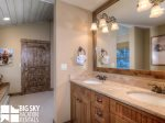 Powder Ridge Cabins, Manitou 18, Bedroom 3 Bathroom, 1