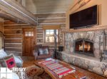 Powder Ridge Cabins, Manitou 18, Living, 3