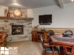 Big Sky Resort, Powder Ridge Oglala 2B, Den Living, 2