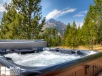 Big Sky MT Lodging, Swift Bear Chalet, Private Hot Tub, 2