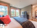 Big Sky Accommodation, Black Eagle Lodge 5, Bedroom 1, 1