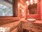 Lodges Big Sky Resort, Big Dog Lodge, Guest Bathroom, 1