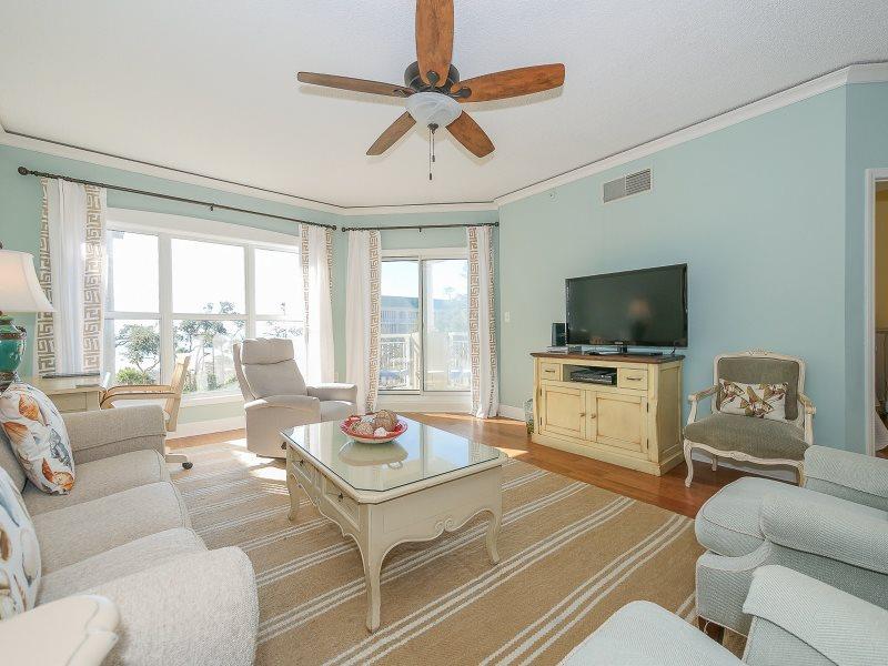 . 5404 Hampton Place Beautiful 1 bedroom  Oceanfront Vacation Villa