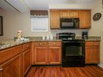Fully Equipped Kitchen with Breakfast Bar at 7601 Huntington