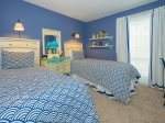 Guest Bedroom with Two Twin Beds at 856 Ketch Court