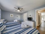 Guest Bedroom with Two Twin Beds at 606 Queens Grant