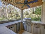 Built in Grill at 216 Cordillo Parkway