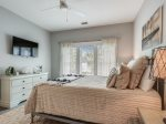 Queen Guest Room with Access to Shared Bath at 28 Stoney Creek