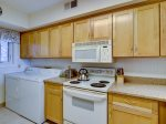Kitchen with Washer and Dryer at 336 Shorewood