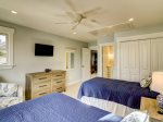 Guest Bedroom with Private Bath at 47 Lands End