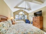 Guest Bedroom with Private Bathroom at 1 Twin Pines
