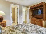 Guest Room with TV at 21 Ruddy Turnstone