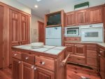 Large Kitchen at 74 Baynard Cove