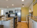 Spacious kitchen with Open Floor plan in 3433 Villamare