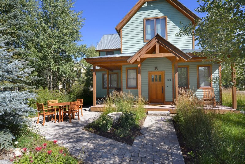 Pleasing Pet Friendly Rental Home In Crested Butte With Mountain Views Home Interior And Landscaping Ologienasavecom