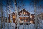 Peakview- A Beautiful Mountain Home