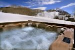 Large hot tub with Mt. Crested Butte views