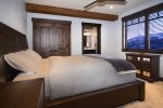 A comfortable junior suite with queen bed