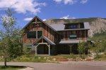 Larkspur Lodge