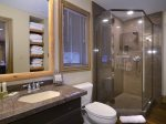 Junior Master En-suite Bath