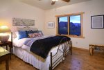 Queen Guest Bedroom with En-Suite Bathroom