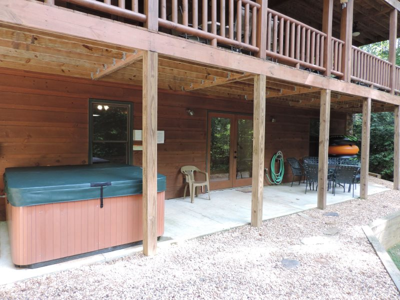 Luxury Vacation River Cabin Inside The Coosawattee River