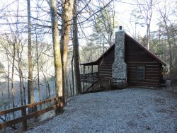 Secluded Rustic 2 Bedroom Vacation Cabin Rental on the Toccoa River in Blue Ridge