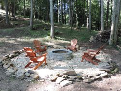 3 Bedroom 2-1/2 Bath Vacation Home on a Large Creek with Game Room, Hot Tub and Fire Pit. Sleeps 9 Guests.
