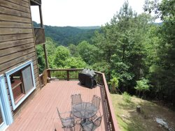Beautiful Long Range View Cabin with 4 bedroom and 3 full bathrooms